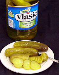 Is it OK for dogs to eat dill pickles